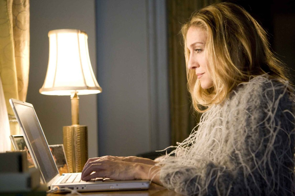 Carrie-carrie-bradshaw-writing