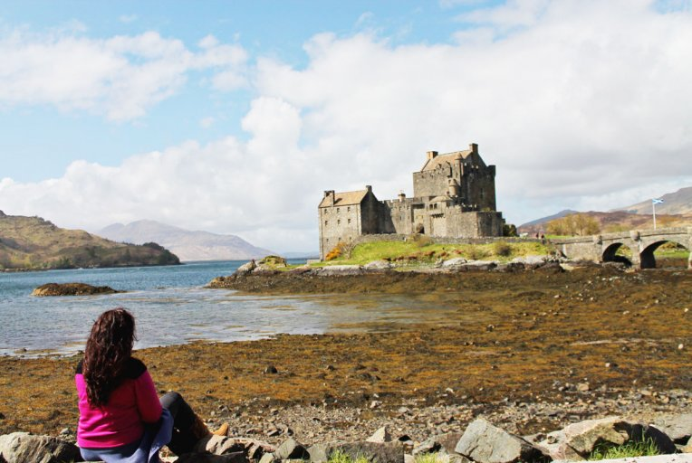 castles lochs and mountains in the scottish highlands joan of july