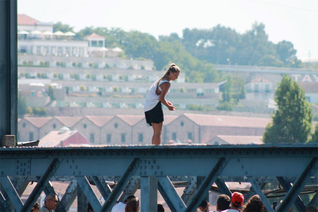 Memórias de Verão no Porto: os mergulhos dos meninos da ponte D. Luís