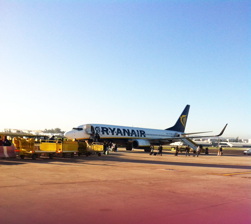 ryanair-airplane
