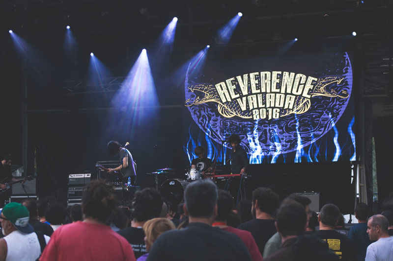 reverence-palco